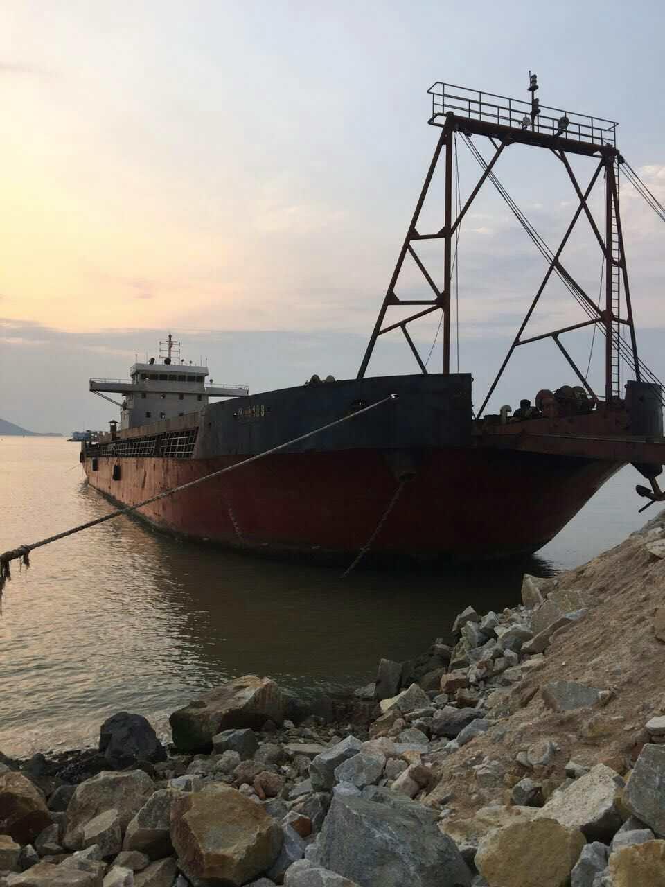 3000T多功能甲板驳海船出租