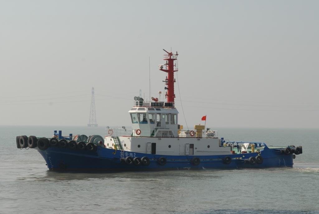 3400马力日本全回转拖轮