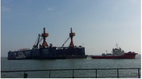 1200-6600马力全回转拖轮港作服务港口船舶离靠码头、作业守护服务,船厂新造船舶下水、进出坞、移位、试航服务。 水上大件物品如无动力船舶、半潜驳、船坞等拖带服务;大件物品如集装箱桥吊等驳运。海洋工程大型设施拖航、定位;石油钻井平台作业守护。