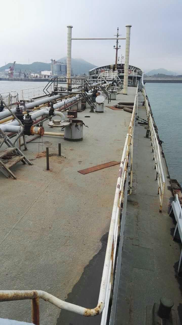 光租3100吨油轮