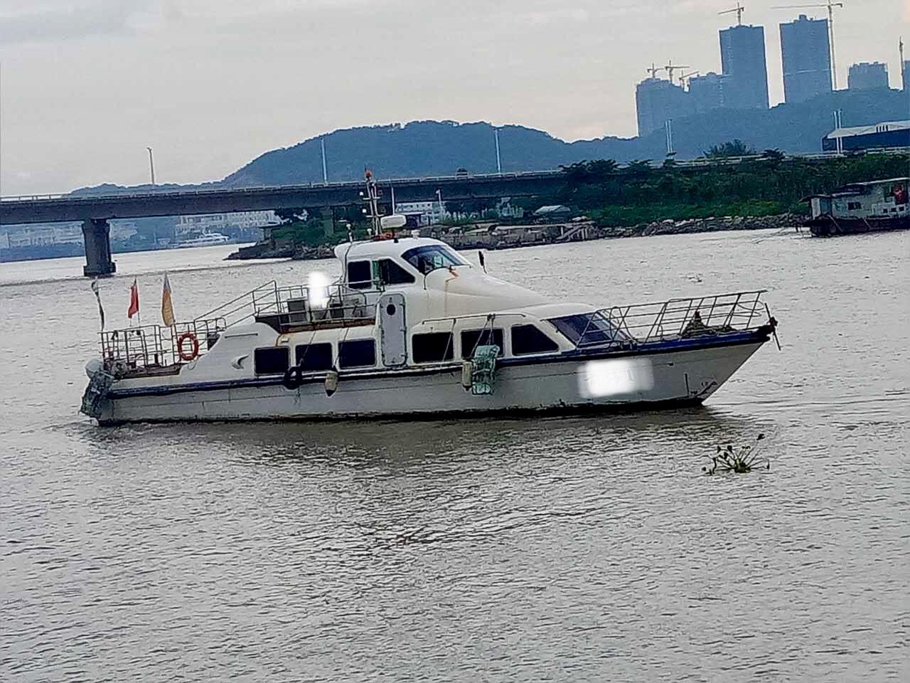 游艇(原渔监公务船)改装出售