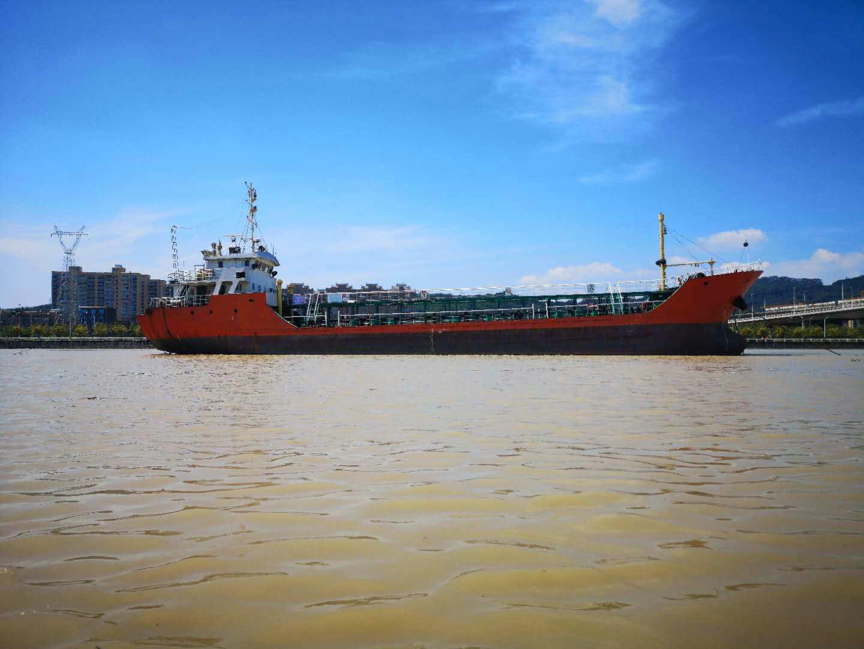 售2009年980T沿海大马力单壳油船