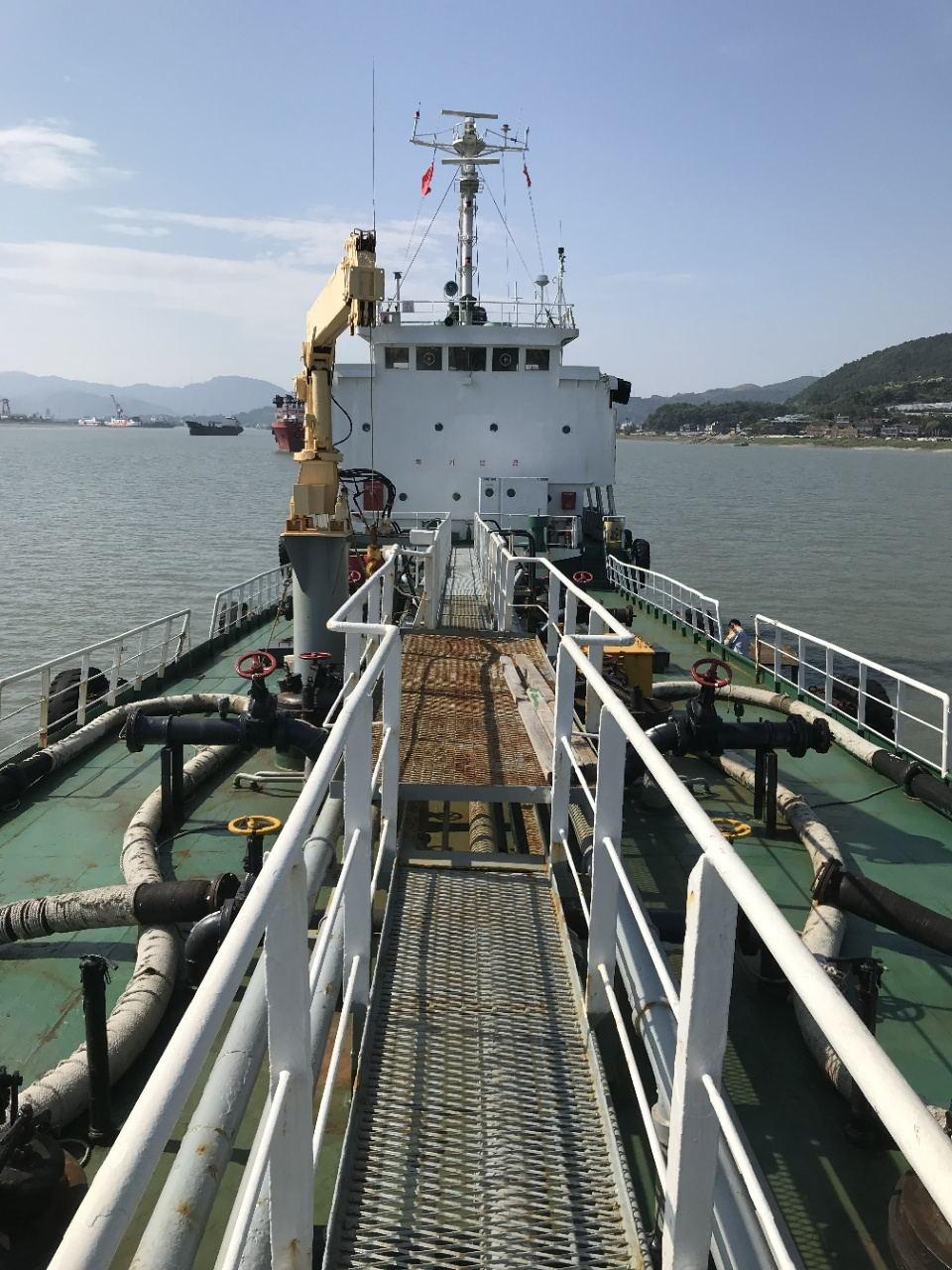 1150吨油船