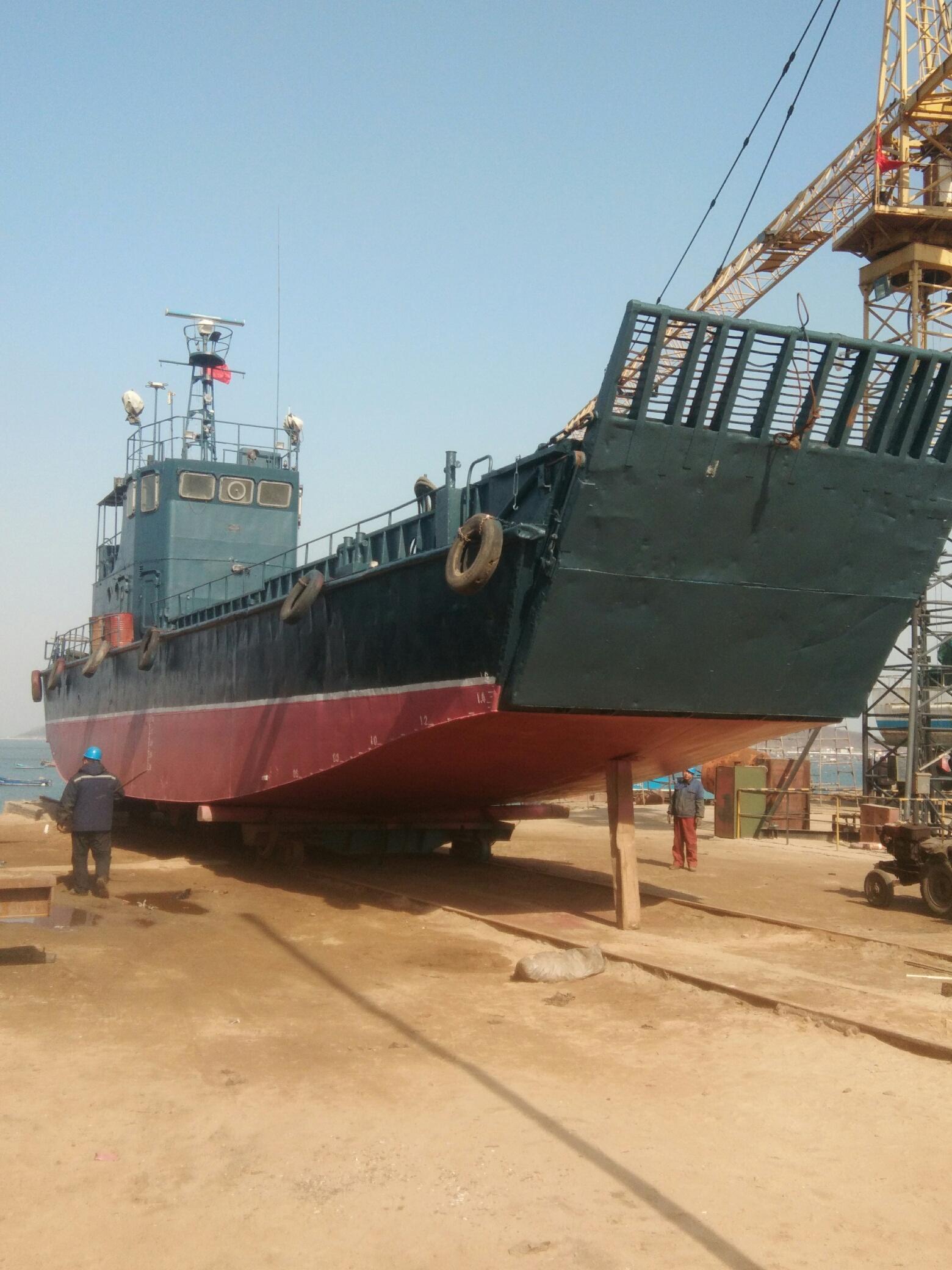 100吨登陆艇