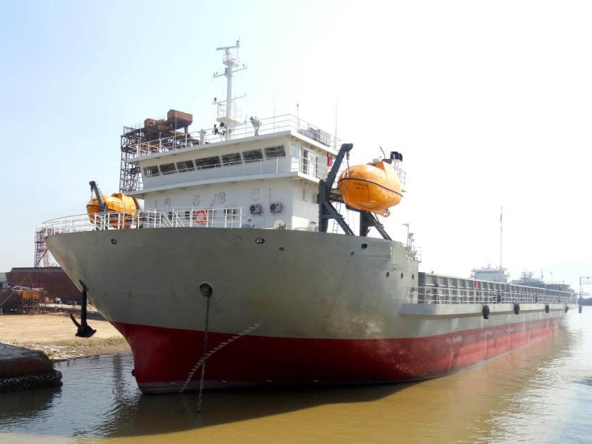 出售2015年造7360吨近自航驳船
