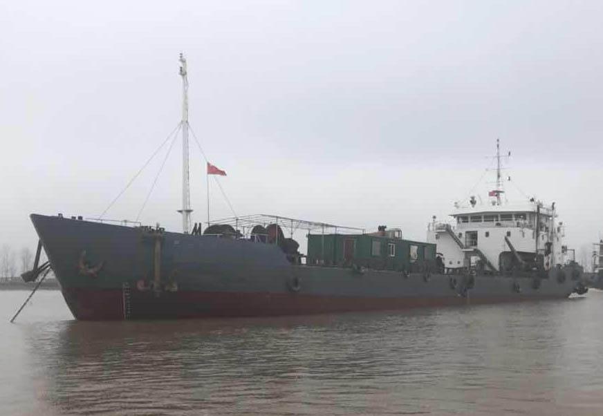 低价急售2009年1680吨勘探定位驳船