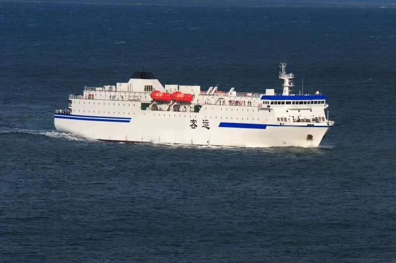 售2006年山东造豪华客滚船