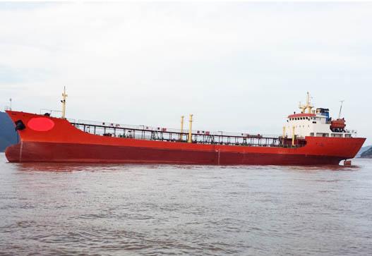 出售2002年4750吨近海一级油船