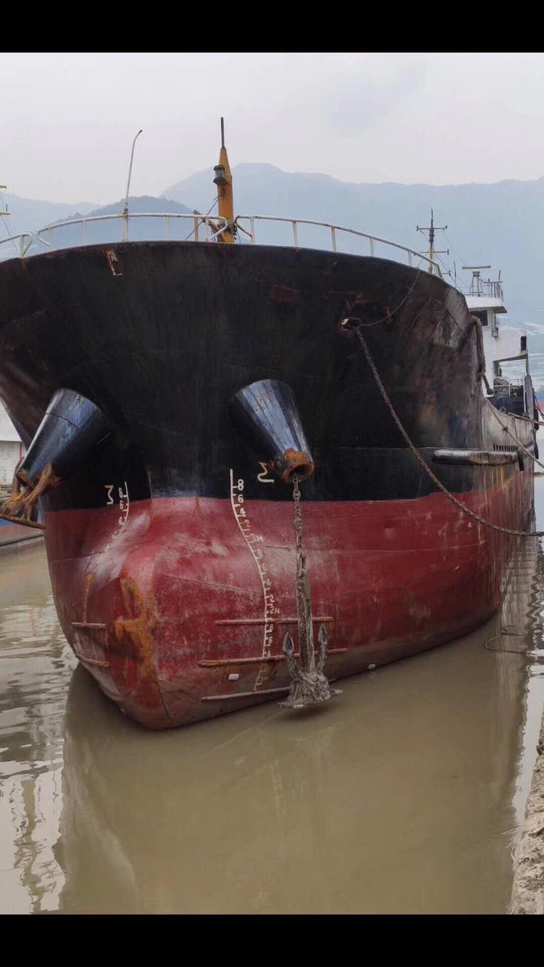 低价出售2008年造1100吨货船