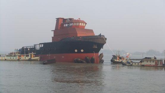 50米锚泊处理拖船