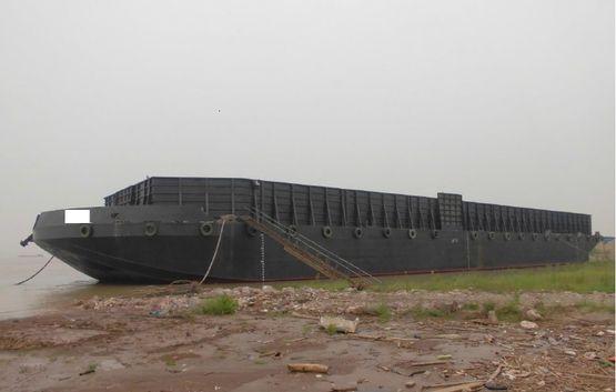 82.3米甲板货物驳船
