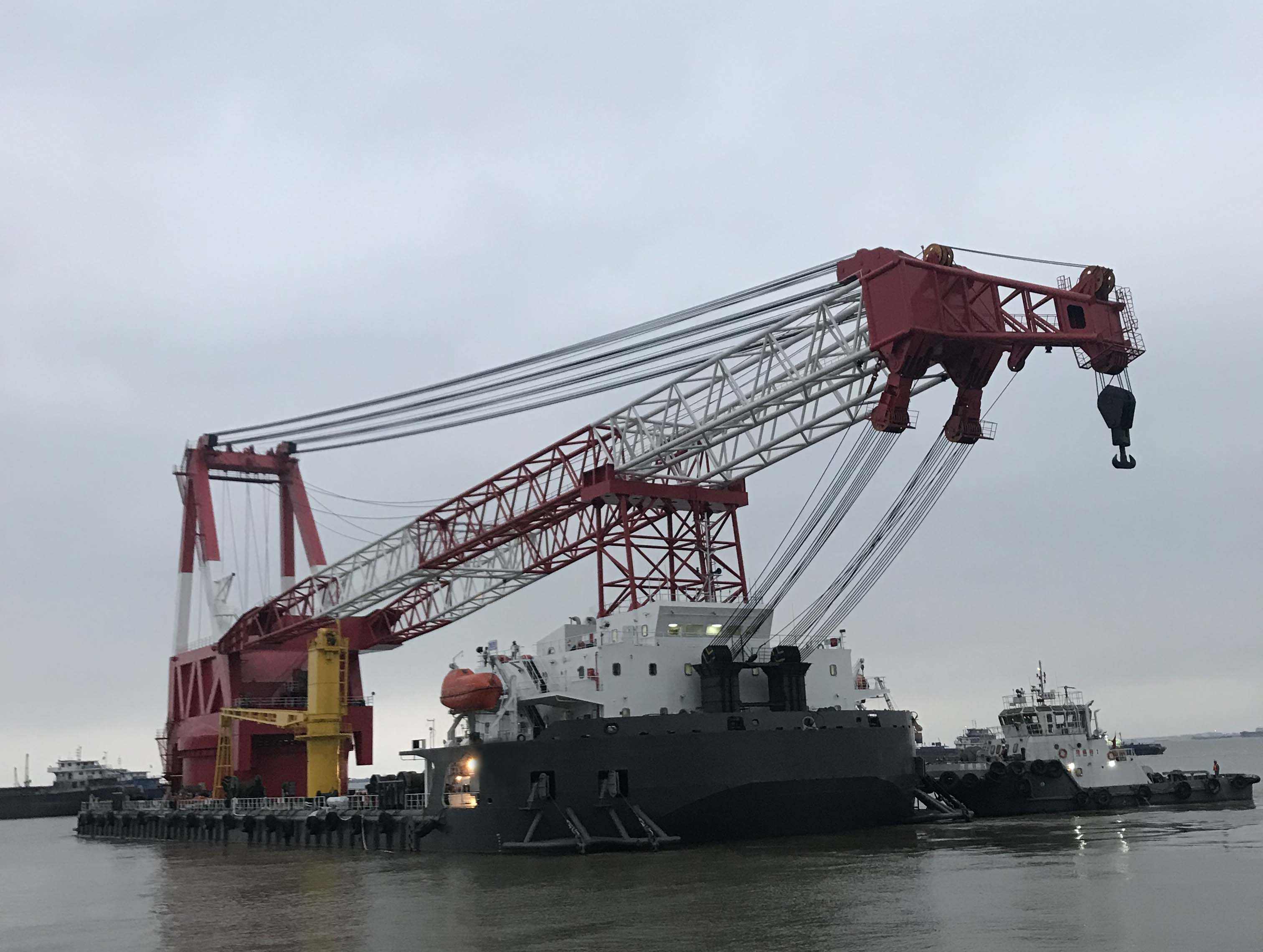 出售1500吨全回转起重船