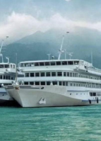 出售130米德国造旅游餐住游船