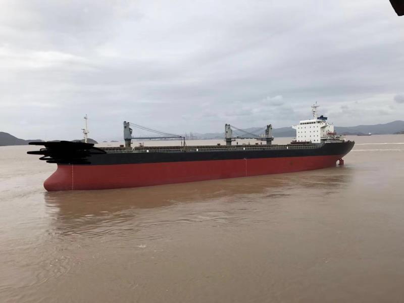 出售2.8万吨无限航区散货船