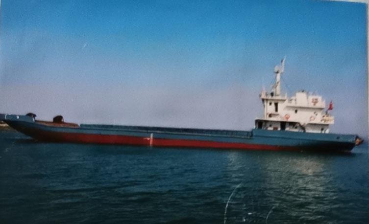 低价急售2010年1500吨沿海自航驳船