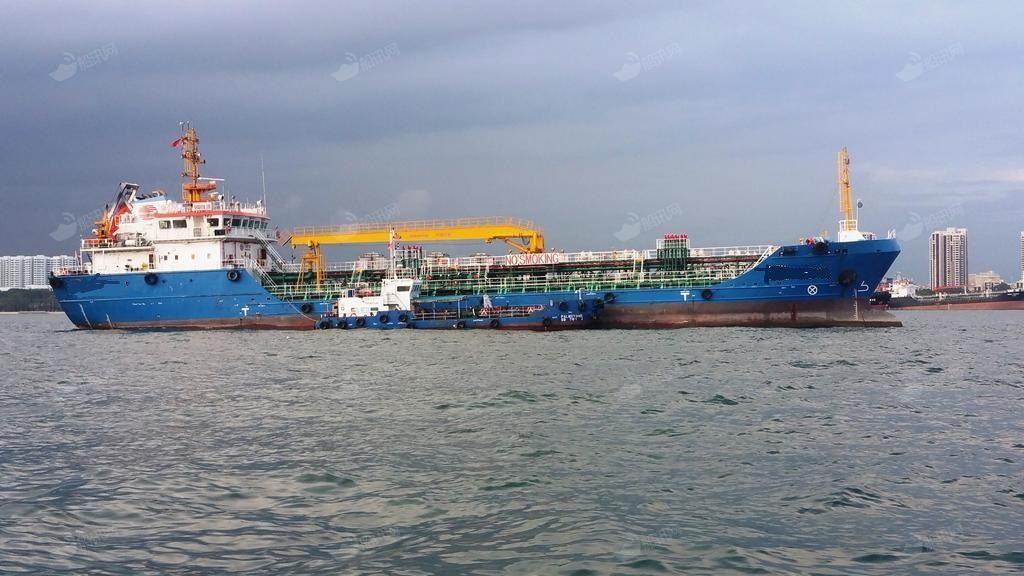 出售:3500吨A3航区双底双壳一级 油船带加温