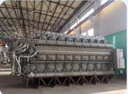 陆用重油发电机组STX-MAN18V32/40