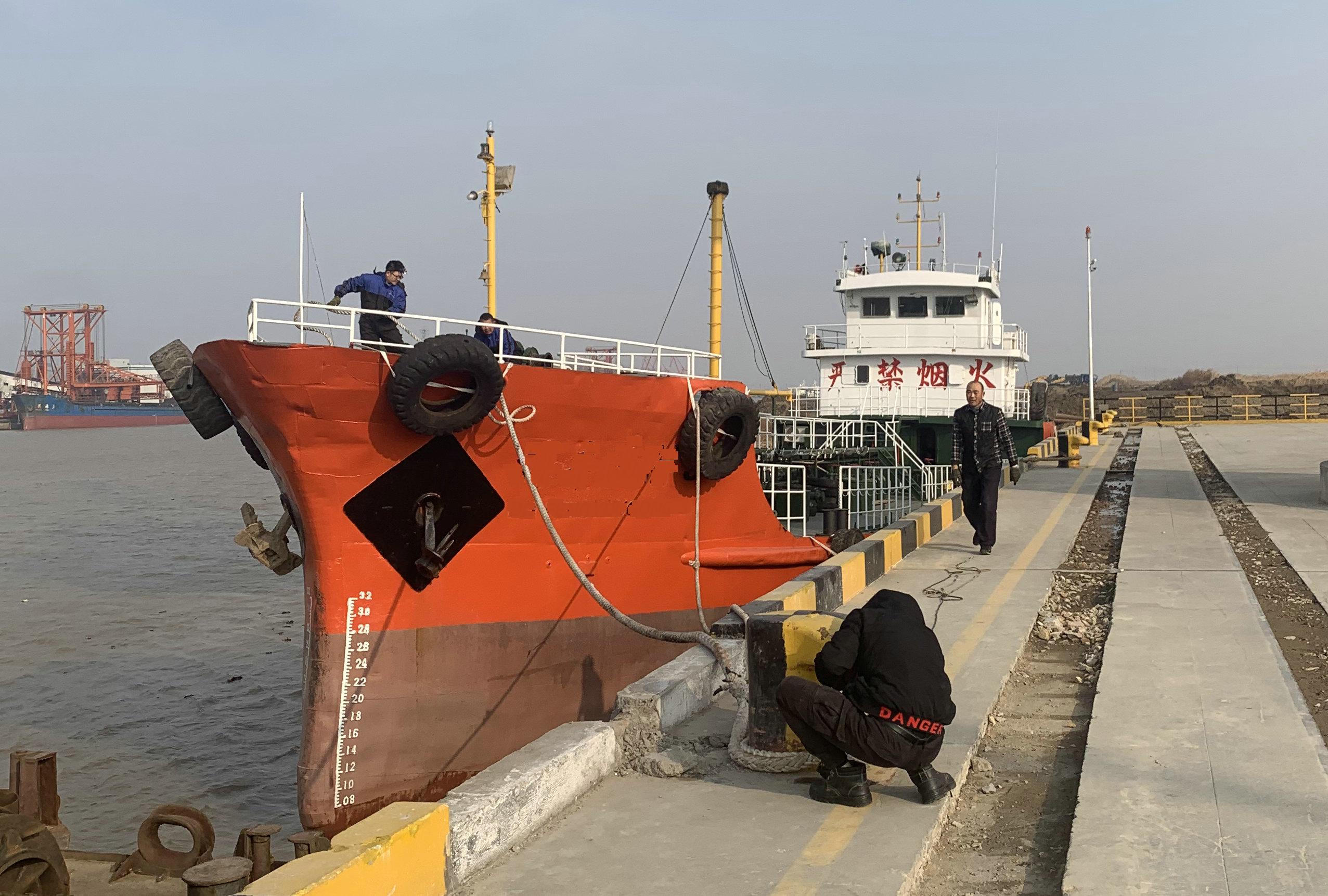 售:2009年沿海500吨双底单壳油船